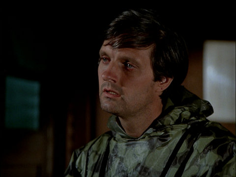 Still from the M*A*S*H episode Dr. Pierce and Mr. Hyde showing a very tired Hawkeye
