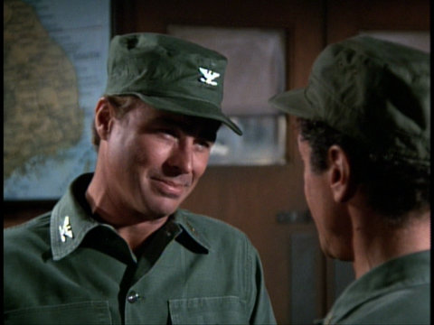 Still from the M*A*S*H episode Quo Vadis, Captain Chandler? showing Colonel Flagg and Sidney Freedman