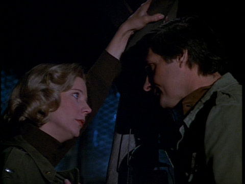 Still from the M*A*S*H episode The More I See You showing Carlye and Hawkeye