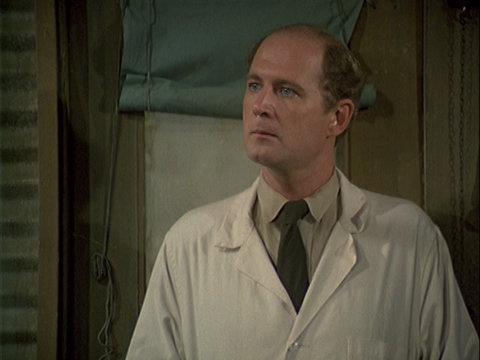 Still from the M*A*S*H episode Fade Out, Fade In showing Charles.
