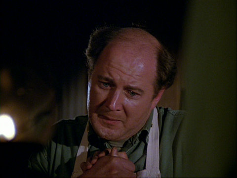 Still from the M*A*S*H episode The Life You Save showing Charles.
