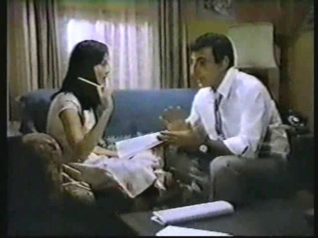 Still from the AfterMASH episode Snap, Crackle, Plop showing Soon-Lee and Klinger.