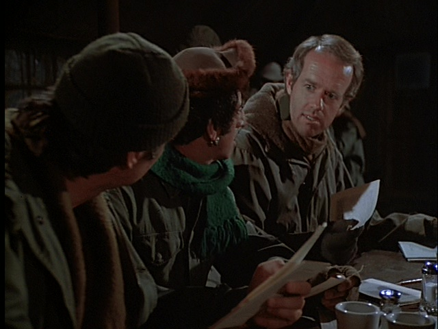 Still from the M*A*S*H episode The Light That Failed