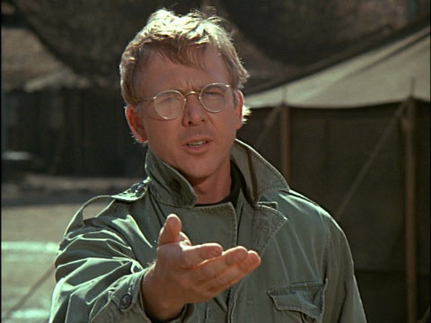 Image from the M*A*S*H episode Dear Dad showing Father Mulcahy.