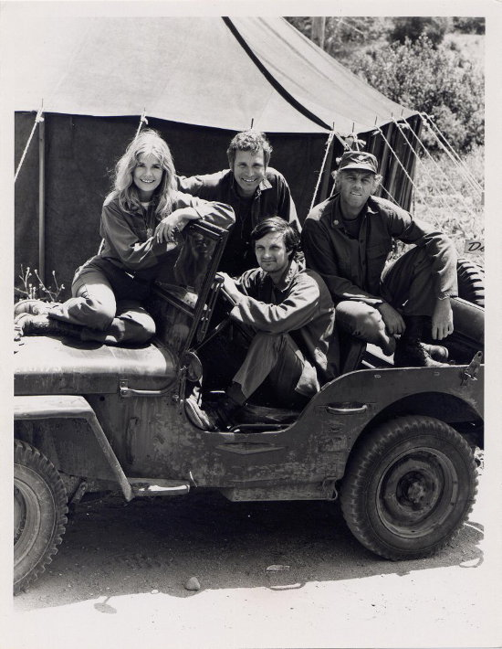 Black and white photograph of the MASH cast from 1972.