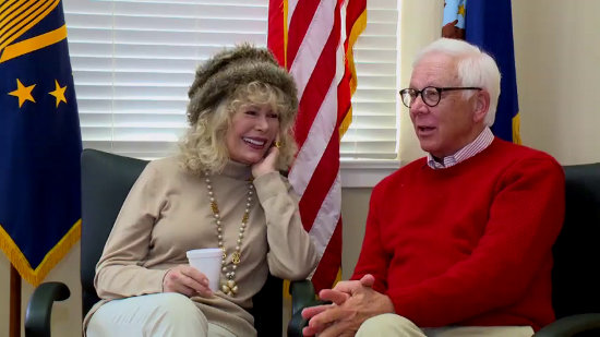 M*A*S*H Memories & Magic - Loretta Swit and William Christopher (Copyright 2016 Gray Television Group, Inc.)
