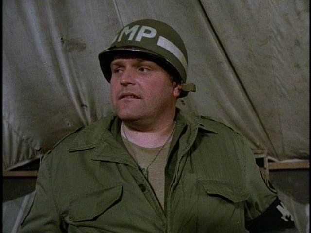 Still from the M*A*S*H episode Souvenirs showing Brian Dennehy.